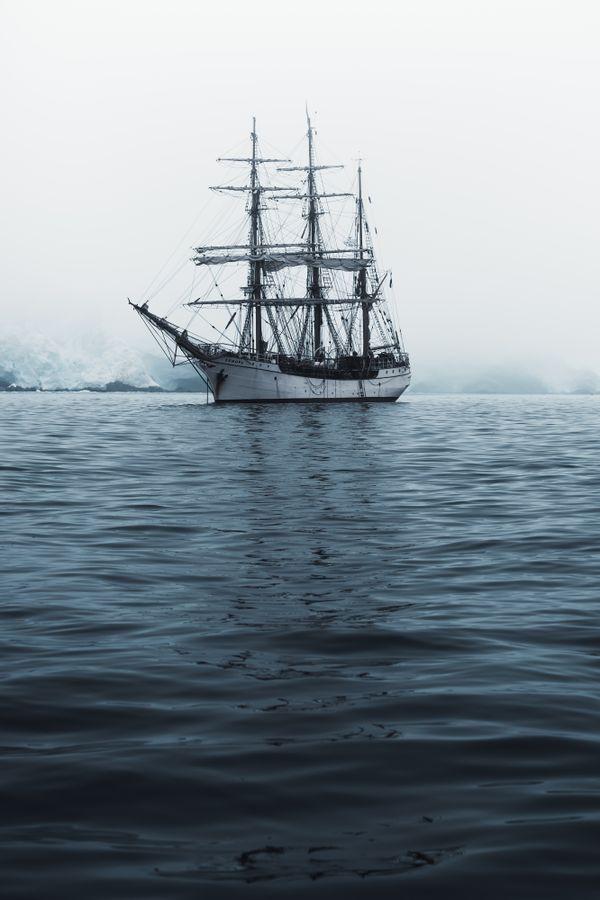 Sailing to Antarctica